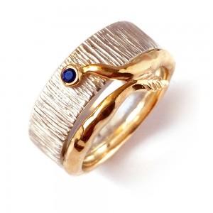 Sidabrinis žiedas su geltonu auksu 750' ir safyru
