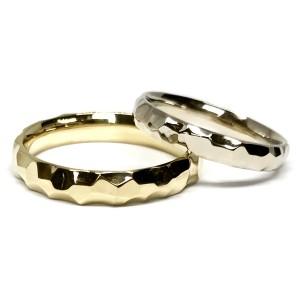 Skirtingų aukso spalvų vestuviniai žiedai