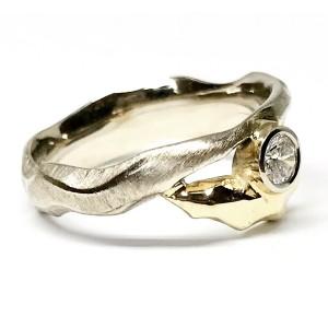 Žiedas su auksu ir briliantu